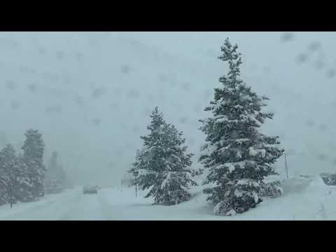 Driving 🌨 Loveland Pass blizzard whiteout conditions🌨💨❄️ November 2018
