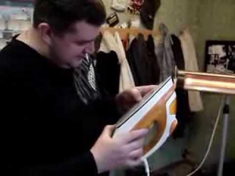 Как почистить утюг с тефлоновым покрытием)))))))
