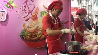 Bạn đã tham gia lễ hội ẩm thực Châu Á và khám phá gian hàn Acecook chưa