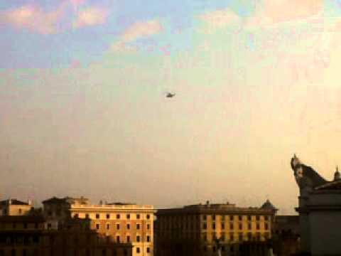 Départ en hélicoptère de Benoît XVI, vu de Radio Vatican, Rome