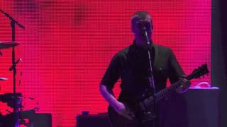 Queens of the Stone Age - Smooth Sailing Live