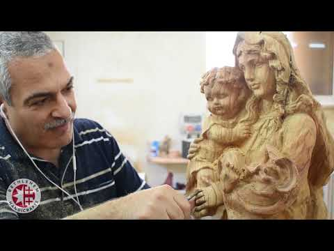 Olive Wood Carving Of Virgin Mary And Baby Jesus