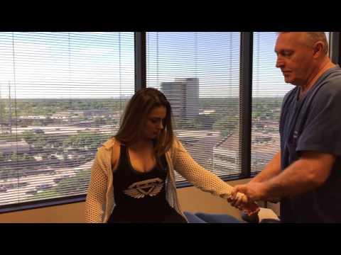 Fit Houston Woman Gets Whole Body Adjusted At Advanced Chiropractic Relief
