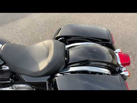 Quick Walk-around of the new Electra Glide Standard | Russ