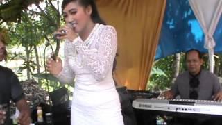 Download lagu Yoland  Karembong kayas MP3