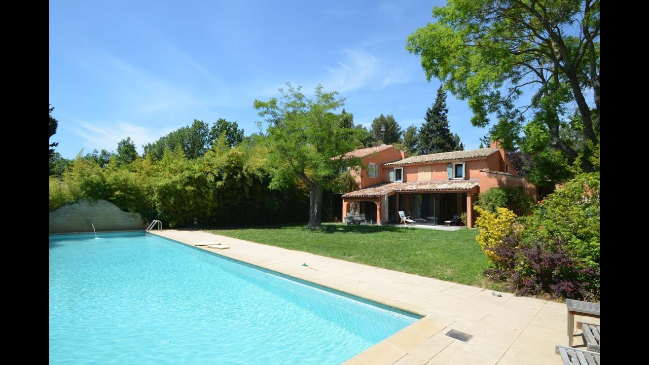 ferienhaus mit privatem pool in saint cannat provence. Black Bedroom Furniture Sets. Home Design Ideas