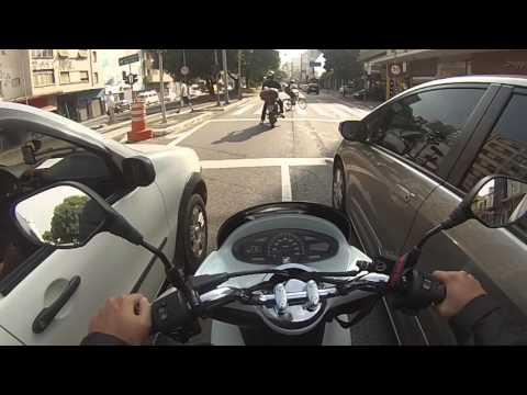 [Review] Honda PCX: A Moto perfeita pro dia a dia? Veja as vantagens e desvantagens aqui