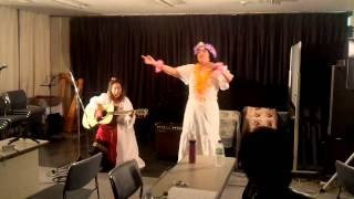 作詞・作曲:徳井由美子⇒歌:演奏 振り付けダンサー:山本陽子 http://b...