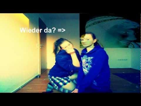Anna &' Katja am singen :* ♥