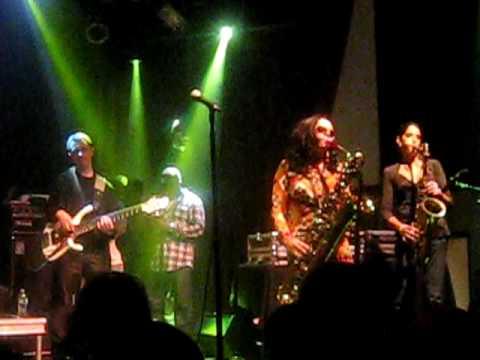 The Roots - Sax Jam - 9/8/09 - Highline Ballroom, NYC