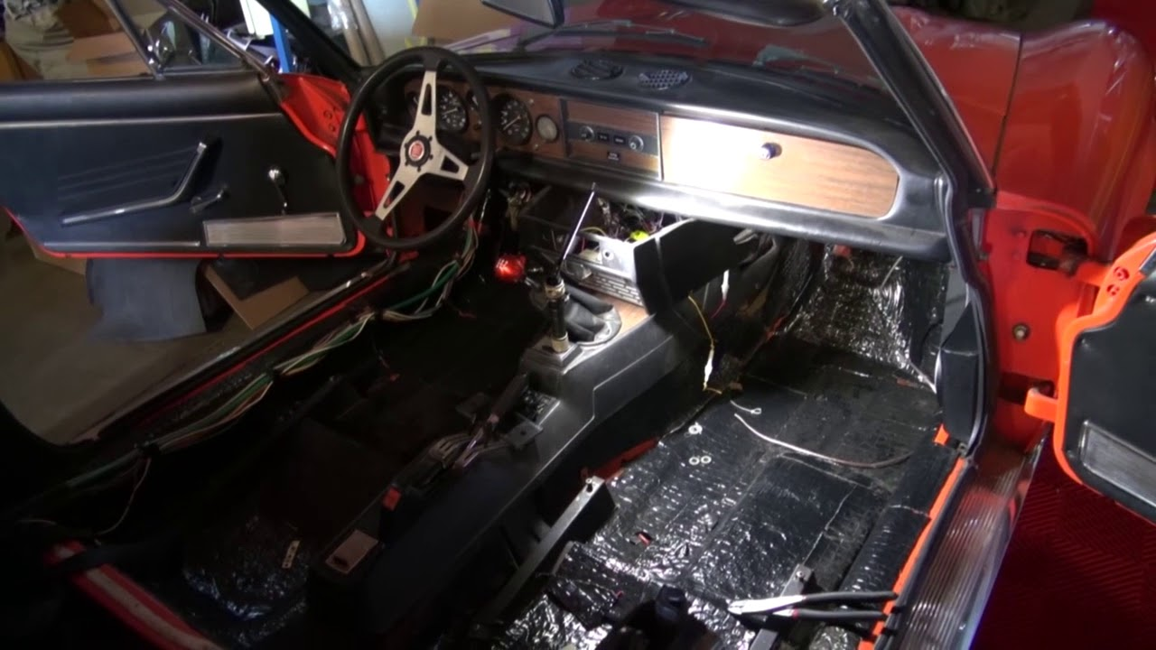 Fiat 124 Sound Proofed with Dynamat plus an Audio Upgrade by Monney