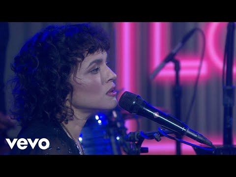 Norah Jones - Begin Again (Live On The Today Show)