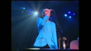 Sinead O'Connor: 'War' live at the Bob Dylan Tribute.