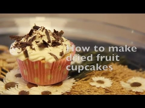 How to Make Dried Fruit Cupcakes : Cupcakes