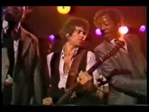 Keith Richards and Ronnie Wood with Muddy Waters (solos guitar) - Live 1981