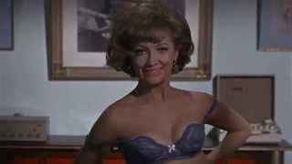 Marga López y Maricruz Olivier | Hasta el Viento Tiene Miedo (1968) | Trailer