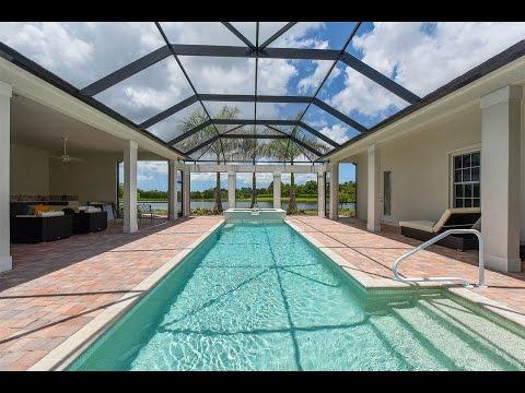 Stunning Lake Club Home in Lakewood Ranch, Florida
