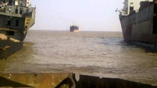 ship beaching (success) bulker plot 112