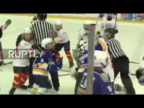 This is no hokey-pokey! Russian hockey juniors start MASS BRAWL
