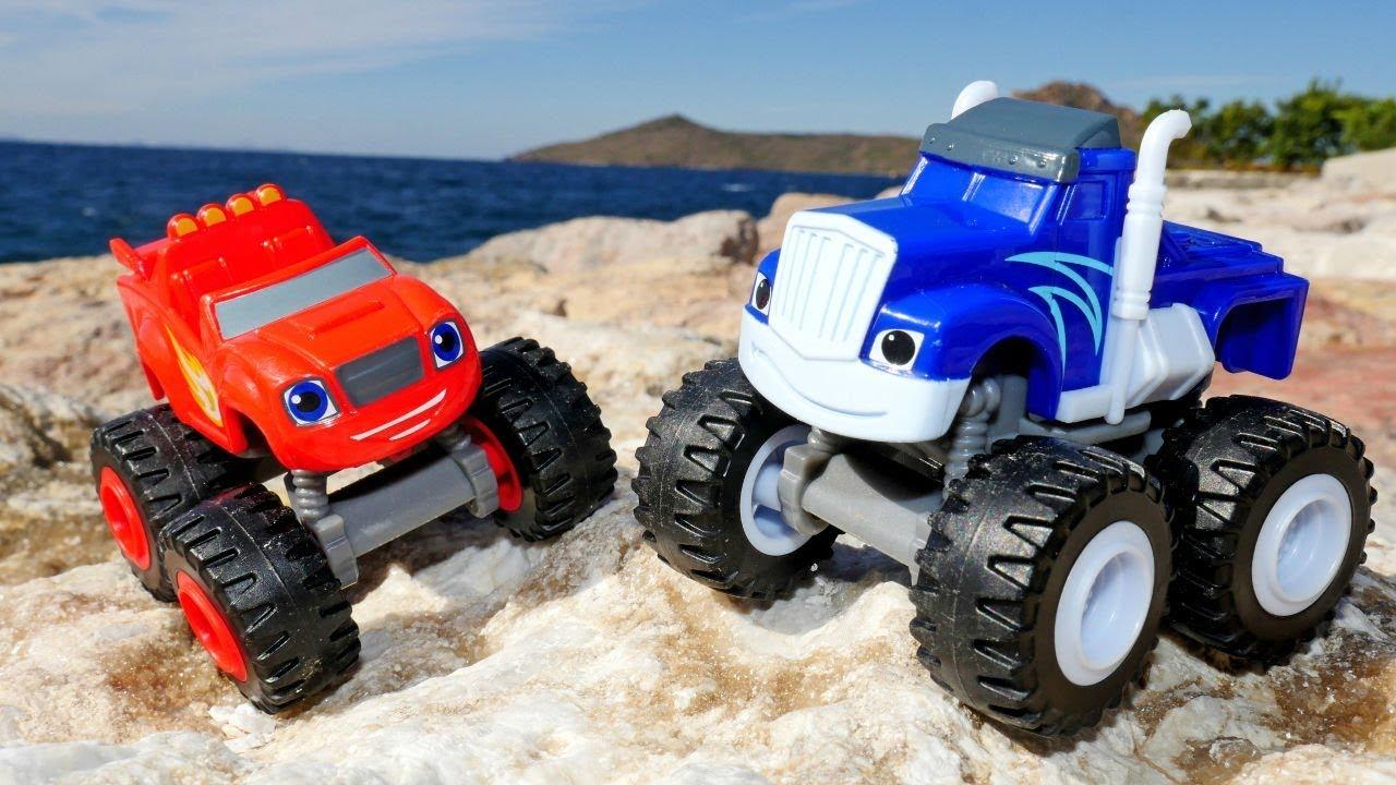 Видео для детей. Чудо машинки и игры Гонки в песке - YouTube