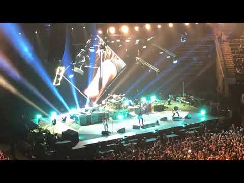 Foo Fighters Run Salt Lake City, UT 12/12/2017 Vivint Smart Home Arena