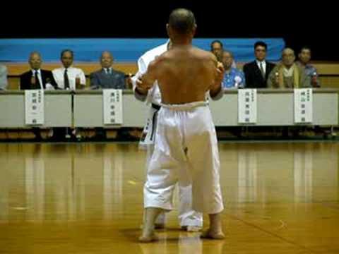 Shime Sanchin kata. Goju Ryu