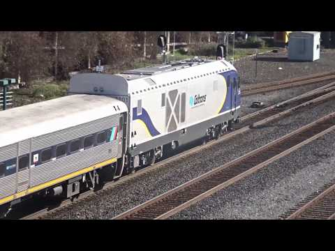1ST EPISODE OF 2018! Bus/Railf. at E'ville Plz Jct and Berk feat. BNSF Dash 8, UP Special, and more!