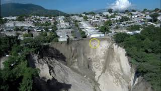 Massive Sinkhole Prompts The Evacuation of Hundreds of Homes In El Salvador