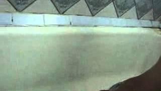 реставрация ванны (подготовка поверхности)(Читайте и смотрите полную статью на http://plastall.prom.ua и http://nikerav.com.ua Наливныен полы и 3Д поля своими руками Подгот..., 2013-05-23T19:06:26.000Z)