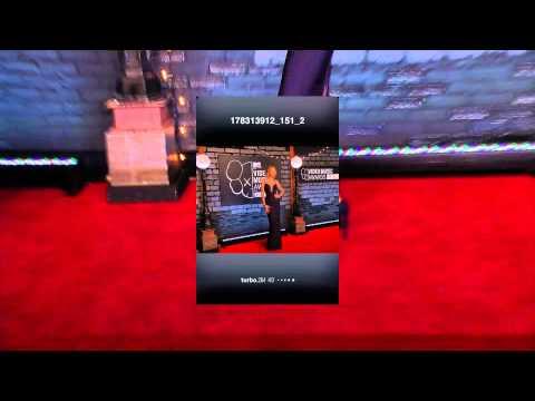 Taylor Swift at 2013 MTV Video Music Awards - Red Carpet ...