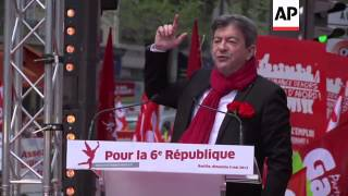 Thousands of leftists march to express disappointment with Hollande