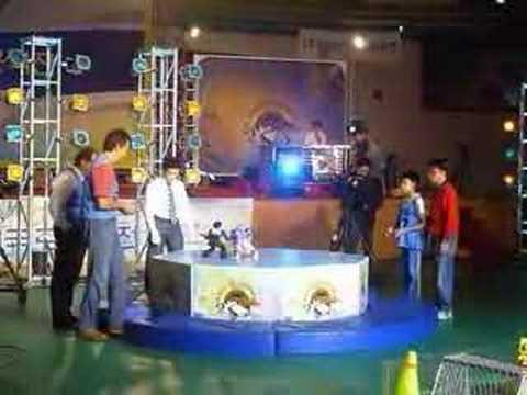 Robot Bioloid Chikilicuatre representando a la UE en Corea