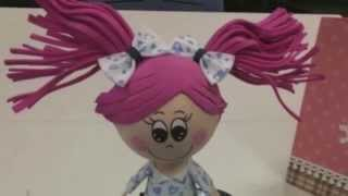 Cómo hacer muñecas de goma eva