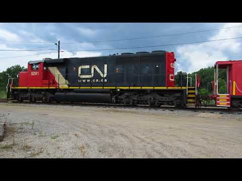 Full panning of CN 5291 SD40-2 diesel loco and GTW 79054 caboose-shoving platform