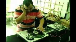 DJ FRANCO DE DJ PROFESSIONAL SCHOOL MEZCLANDO EN VINILES