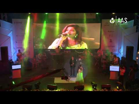 """Tere Mast Mast Do Nain"" Shreya Ghoshal & Shivparsad ( AAS Housewives Awards 2012 )"