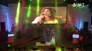 """Tere Mast Mast Do Nain"" Shreya Ghoshal & Shivparsad ( AAS Housewives Awards 2012 )"