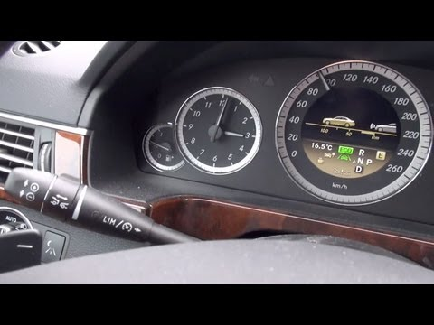 Distronic plus test in der mercedes benz e klasse youtube for Mercedes benz distronic plus
