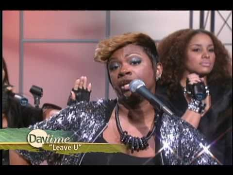 """Daytime TV - Real Housewife star Kandi performs """"Leave You"""""""
