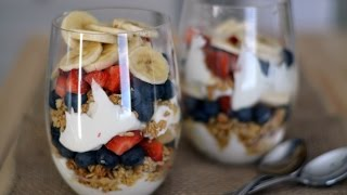Granola Parfait Recipe - How To Make A Granola & Yogurt Fruit Parfait - Sweet Y Salado