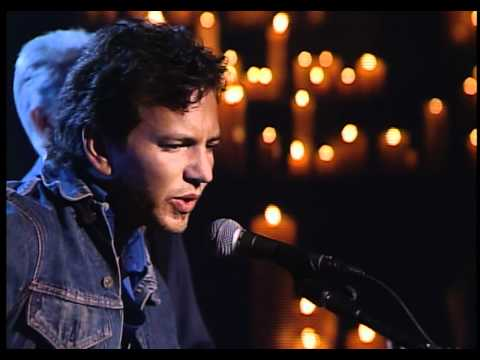 Eddie Vedder (w/ Neil Young and Mike McCready) - Long Road (New York '01) HD