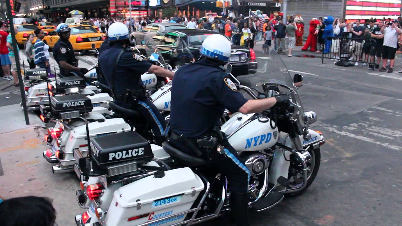 police harley-davidson at times square new-york city - youtube