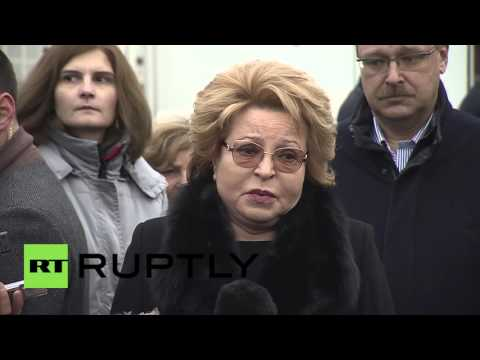Russia: Matviyenko mourns victims of Paris attacks alongside Muscovities