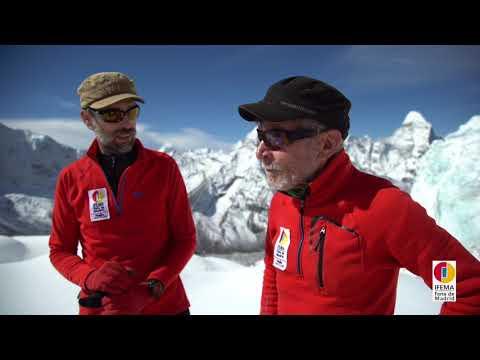Carlos Soria y Sito Carcavilla aclimatando al pie del Island Peak