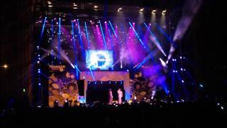 "Conchita Wurst y Ruth Lorenzo cantan juntas ""Purple Rain"" en Shangy Pride"