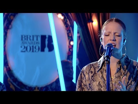 Jess Glynne - Thursday (at BRITs Are Coming 2019)