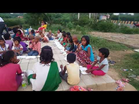 Nirbhed Foundation -Feeding slum children