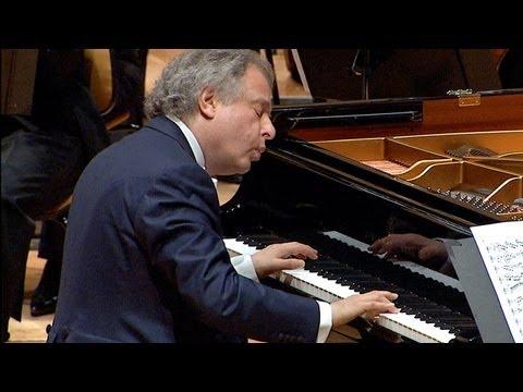 Bach: Piano Concerto No 1  Schiff · Berliner Philharmoniker