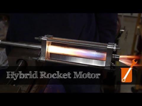 Hybrid rocket engine with acrylic and gaseous oxygen