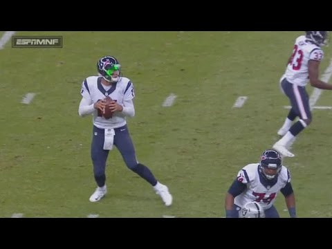 NFL Quarterback Gets Distracted By Laser Pointer at His Face During Game